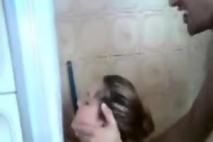 Daniela Berben enfiestada con 2 pibes