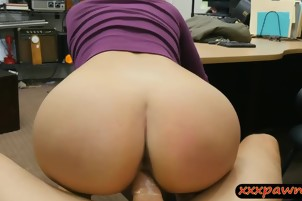 Sexy huge boobies amateur babe screwed by pawn guy