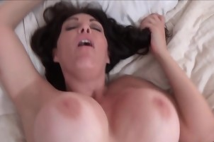 Amateur Babe Lays Back And Takes His Cock