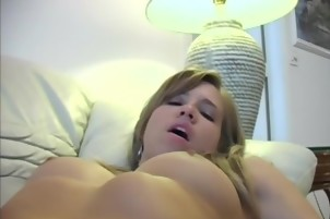 Hottie Loves To Suck And Fuck Big Hard Dicks On Cam